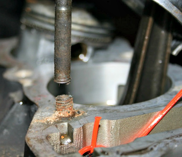 Remove Broken Bolt >> Performance Head Engineering Stud Removal